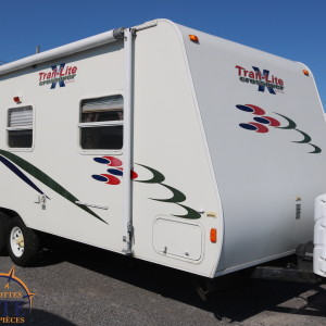 Crossover 210 QB 2007 - LM Cossette inc. vr roulotte fifth wheel caravane rv travel trailer - cherokee grey wolf wolf pup kodiak apex arctic wolf
