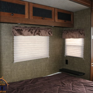 Resort 41 BHL 2015 - Lm Cossette inc. vr roulotte fifth wheel caravane rv travel trailer - cherokee grey wolf up arctic wolf kodiak apex nano