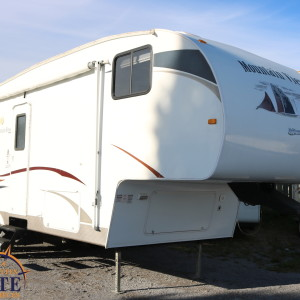 MountainView 2555 2009 - LM Cossette inc. vr roulotte fifth wheel caravane rv travel trailer - cherokee grey wolf pup arctic wold kodiak apex nano