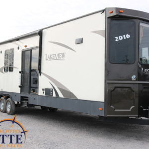 Breckenridge Lakeview 40 FKBH 2016 LM Cossette inc. vr roulotte fifth wheel caravane rv travel trailer - cherokee grey wolf pup kodiak aspen trail arctic wolf alpha wolf cub apex nano