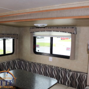 Shadow Cruiser 225 RBS 2013 -LM Cossette inc. vr roulotte fifth wheel caravane rv travel trailer - cherokee grey wolf pup kodiak aspen trail arctic wolf alpha wolf cub apex nano