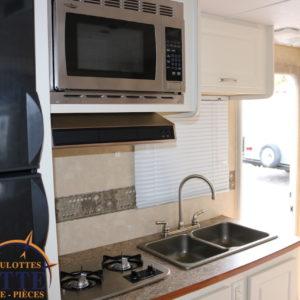 Shadow Cruiser 185 FBS 2010 -LM Cossette inc. vr roulotte fifth wheel caravane rv travel trailer - cherokee grey wolf pup kodiak aspen trail arctic wolf alpha wolf cub apex nano roulotte a vendre trois-rivières