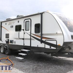 Liberty 315 BH 2018 --LM Cossette inc. vr roulotte fifth wheel caravane rv travel trailer - cherokee grey wolf pup kodiak aspen trail arctic wolf alpha wolf cub apex nano roulotte a vendre trois-rivières